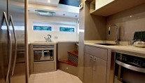 Motor yacht Schaefer 800 - Galley